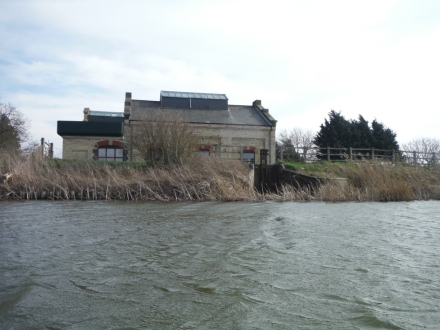 Folbot Southery pumping station